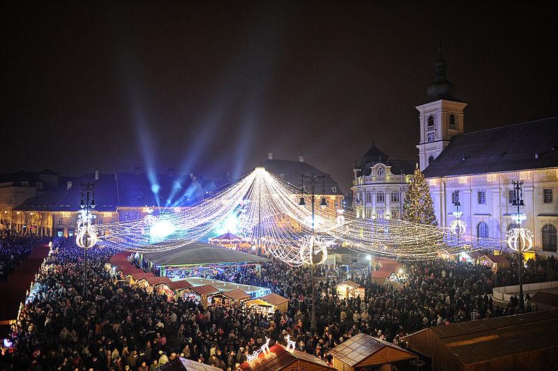 800px-SibiuChristmasMarket2012Opening