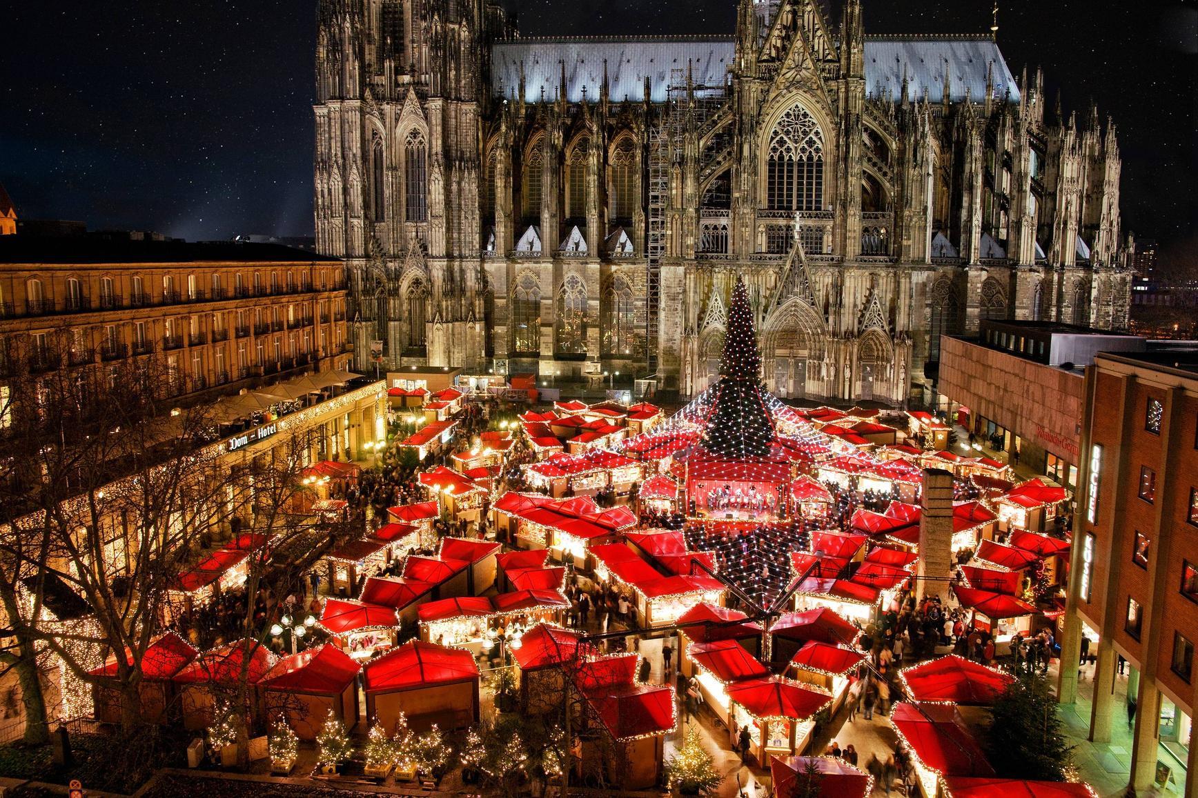 Christmas_market_Cologne_Germany_Imgur