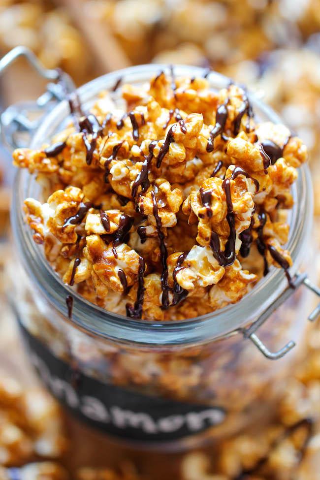 cinnamon-roll-caramel-corn
