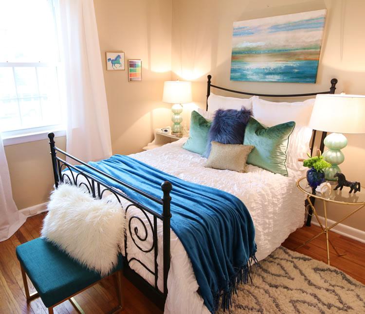 Before & After: guest room makeover: #oneroomrefresh